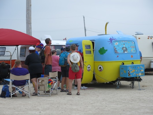 There was always a line-up at the Yellow Submarine (1968 boler)